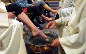 Sakrament der Liebe – Eucharistie und Fusswaschung © Monika Marti