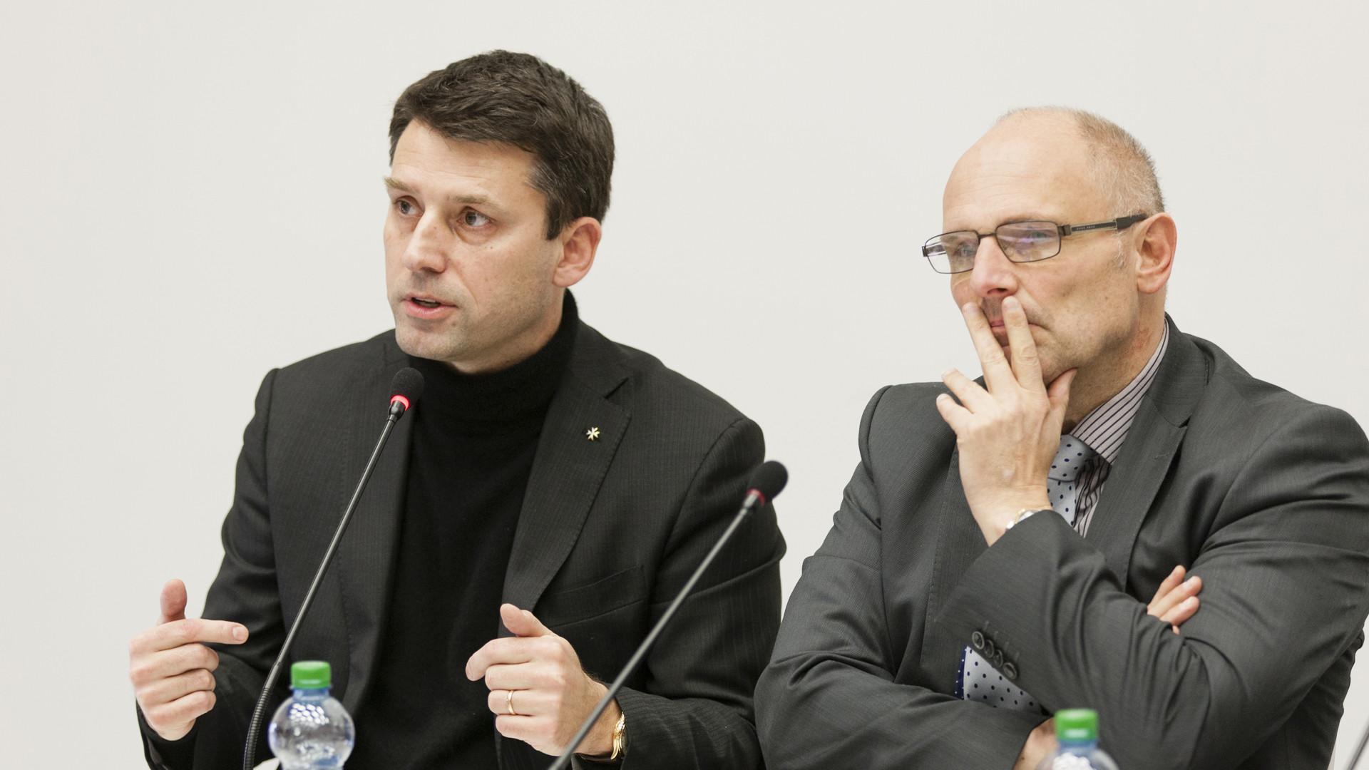 Pingpong zwischen Gottfried Locher und Alfred Heer: Sind